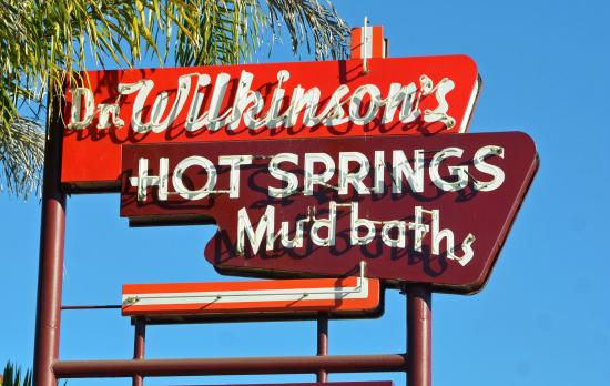 Dr. Wilkinson's Hot Springs Resort : Sign