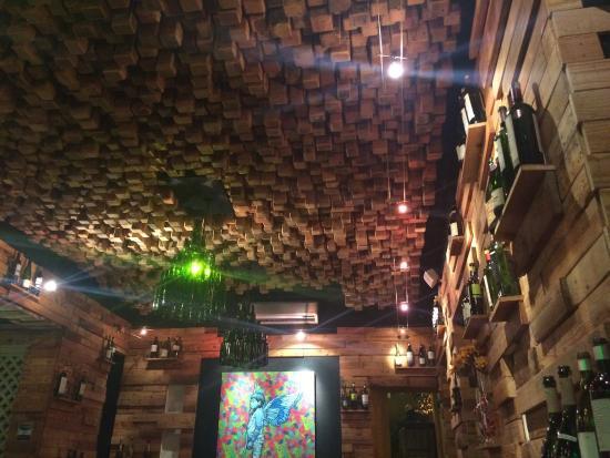 El Santisimo: Cool Wooden Decor