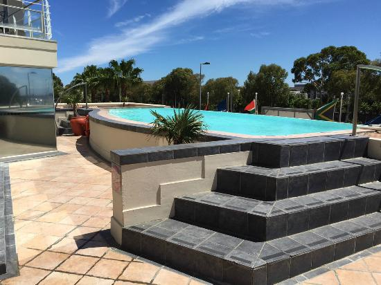Protea Hotel by Marriott Cape Town Cape Castle : The Nice pool area