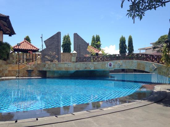 Lombok Raya Hotel