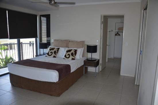 Sea Point on Trinity Beach: Beach view bedroom
