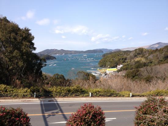 Yokichiya: 道の向こうは海