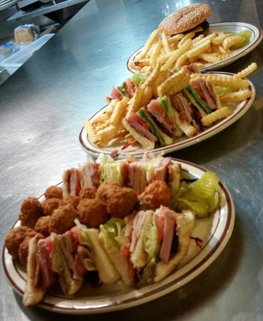 Aurora Family Restaurant : Club Sandwiches