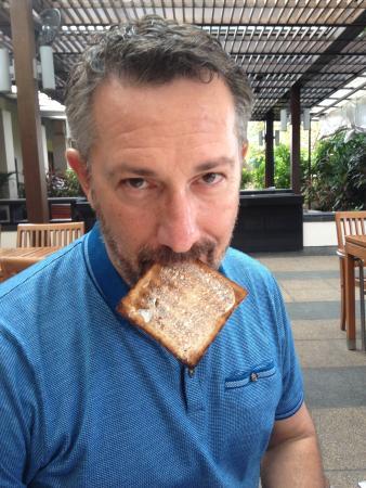 Sofitel Singapore Sentosa Resort & Spa: The toast!