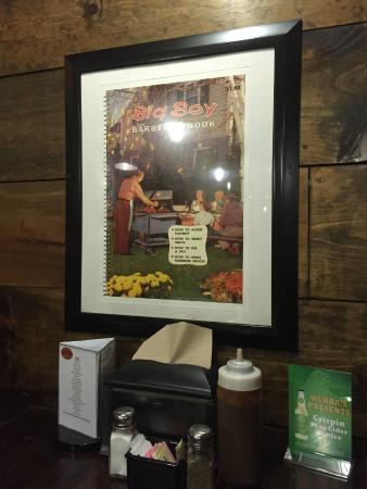 Wubba's BBQ Shack : Table art