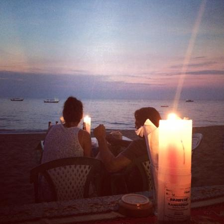 Tonson Beach Restaurant &Bar: Basic but beautiful