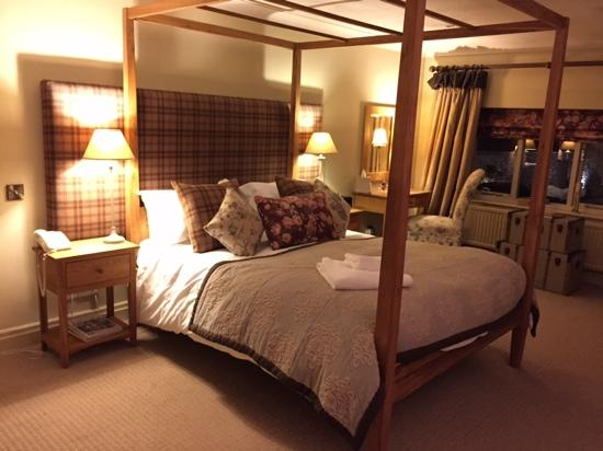 The Pheasant Hotel: Four poster luxury in Farndale