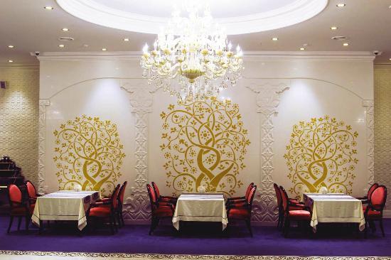 Развлекательный комплекс Роял: Royal restaurant