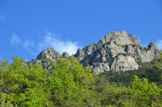 Revest-les-Roches, France : Le mont vial