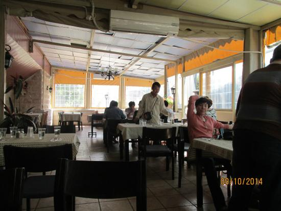 Nafoura: The indoor dining area