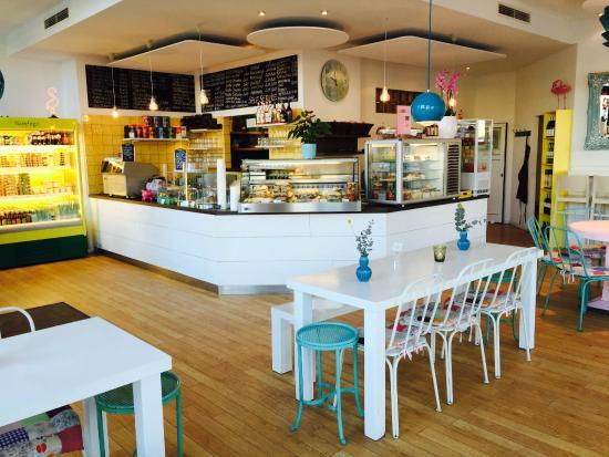 Flamingo fresh food bar berlin mitte restaurant for Food bar in restaurant