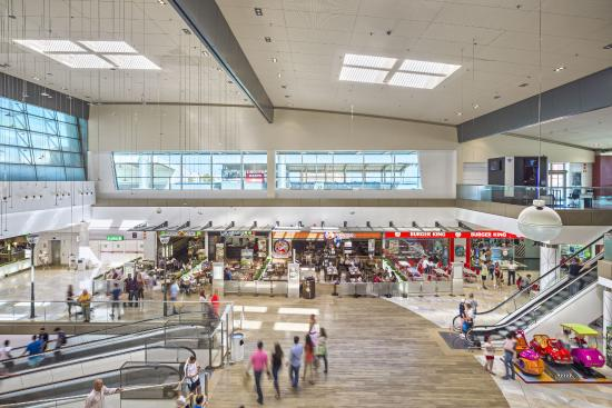 Foto de Miramar, Fuengirola: Centro Comercial Miramar Fuengirola - TripAdvisor