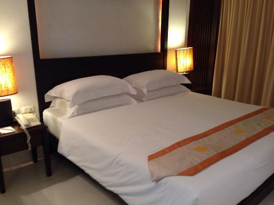 Safari Beach Hotel: King Size Bed
