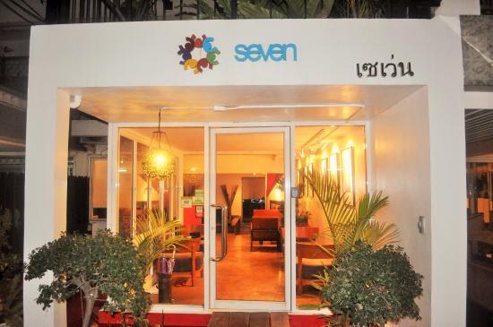 Seven Hotel: Exterior