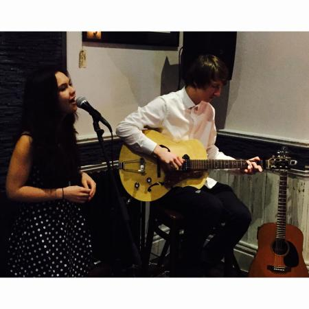 Jack's Restaurant & Bar : Live music with April & Myles