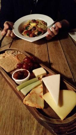 The George Inn: Cheese board & prawn and chorizo linguine