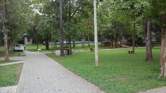 Nil Diya Mankada Safari Resort