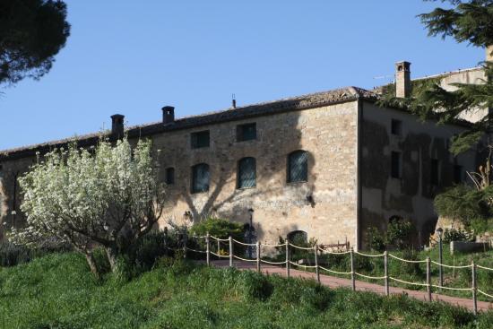 Antico Feudo San Giorgio : Il prospetto della casa