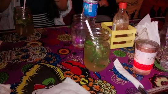 Tres Mentiras: yummy drinks