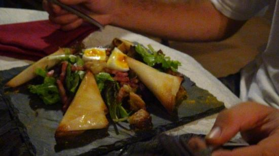 Manman'dlo La Sirene: Salade de chèvre chaud