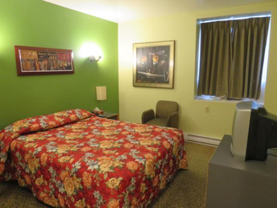 Hotel Le Saint Andre : スタンダード ダブルベッドの部屋