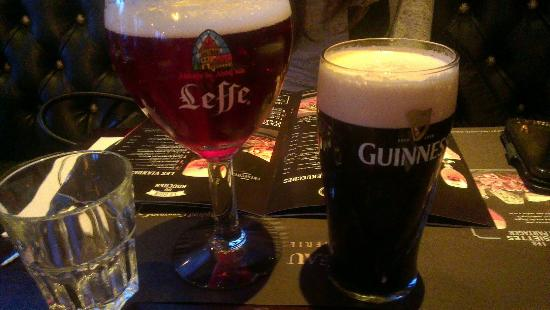 leffe et guiness photo de au bureau enghien les bains tripadvisor. Black Bedroom Furniture Sets. Home Design Ideas