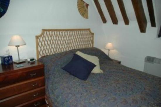 Thatched Farm Bed and Breakfast: Bedroom