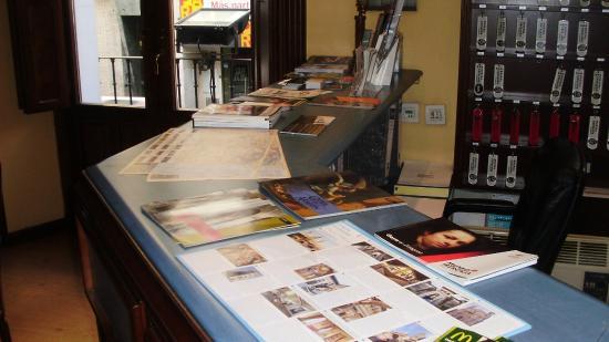 Hostal Cataluna: RECEPCION INFORMACION TURISTICA