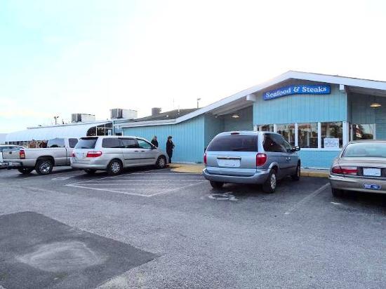 Atlantic Seafood & Steaks Restaurant : outside