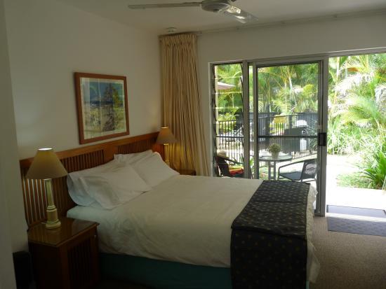 Noosa Cove Holiday Apartments : Pool Side Studio Bedroom