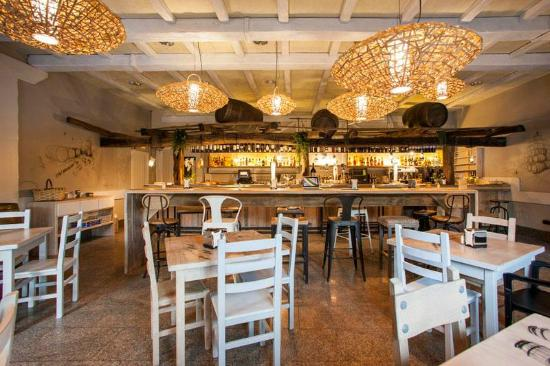 Restaurante sidreria araeta en san sebasti n con cocina - Cocinas san sebastian ...