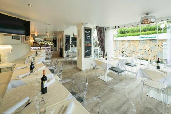 Voulez Vous Restaurant & Lounge