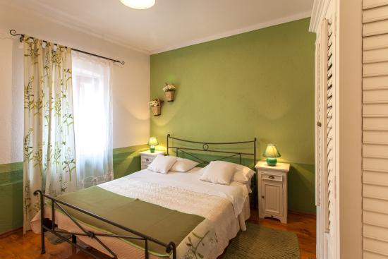 Vanjaka B&B: Green room