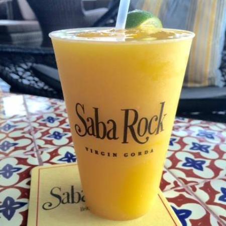 Saba Rock Resort: Happy Hour margaritas