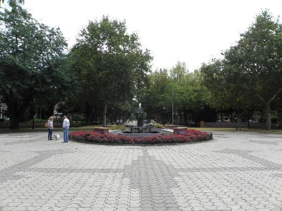 Basílica de Nuestra Señora del Prado: 公園