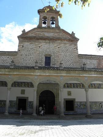 Basílica de Nuestra Señora del Prado: 教会入り口