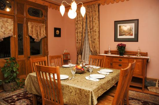 Dining Room at The Osborne Inn