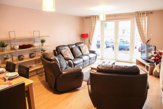 Edinburgh Playhouse Apartments: Living Room