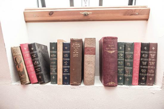 Hatters Hilton Chambers: Bookshelf