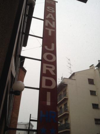 Hotel Sant Jordi : Día nevando ....