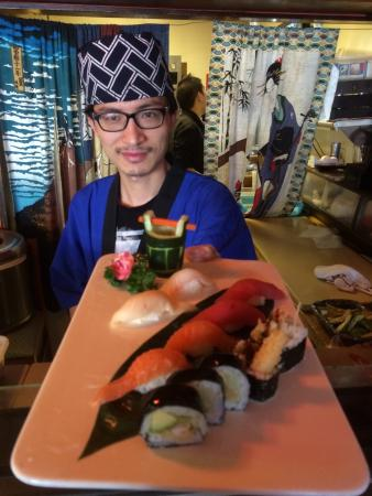 Perryville, MD: Yi serves up a simple $10.95 lunch special - temperature shrimp roll, six fresh sushi chefs choi
