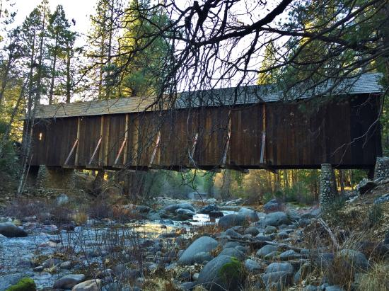 Wawona, Californië: Covered bridge.