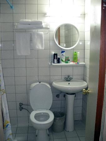 Tayhan Hotel : ванная