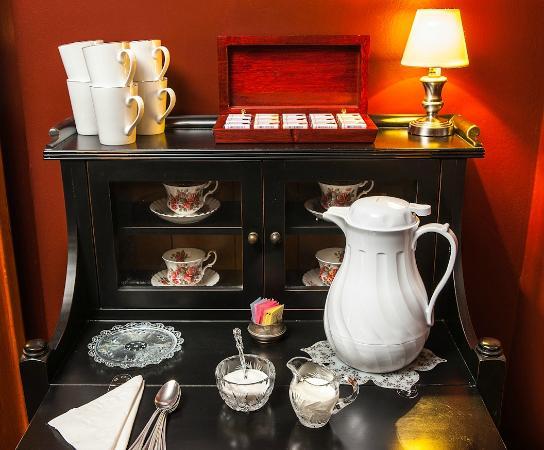 Market Street Inn: Coffee Service Outside your Room