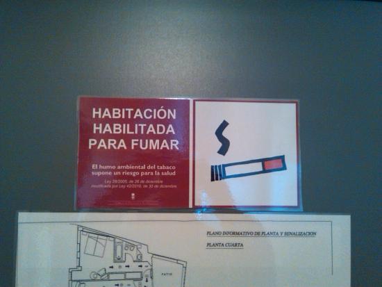 Exe Hotel El Magistral : Habitaciones fumadores