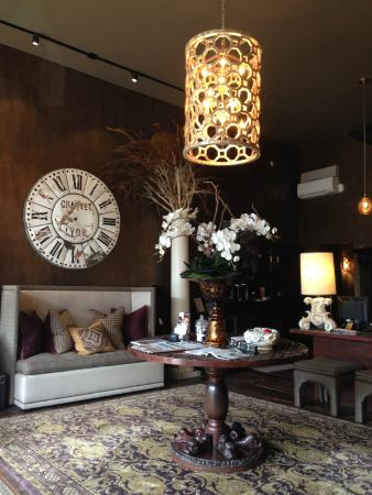 The Windsor Boutique Hotel: Lobby