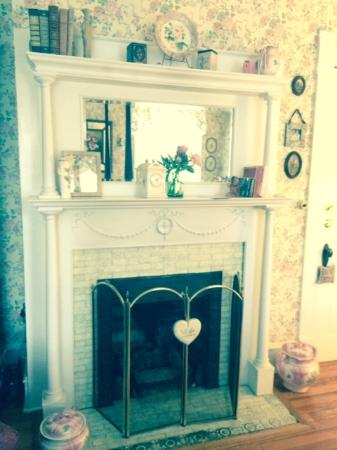 Belle Hearth Bed and Breakfast: Rose Room fireplace - beautiful on a winter's night!