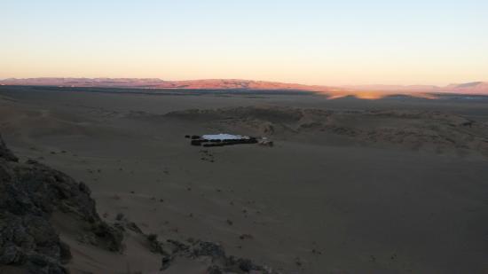 KemKemia Bivouac Erg Chebbi Merzouga: Hotel visto do alto de uma duna