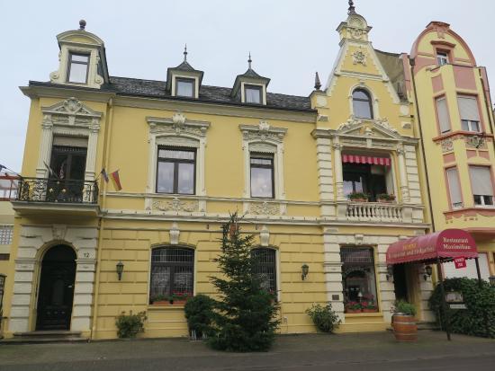 Hotel Sankt Maximilian: Front of hotel