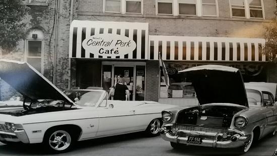 MiMi's Central Perk Cafe: Car show 2014....